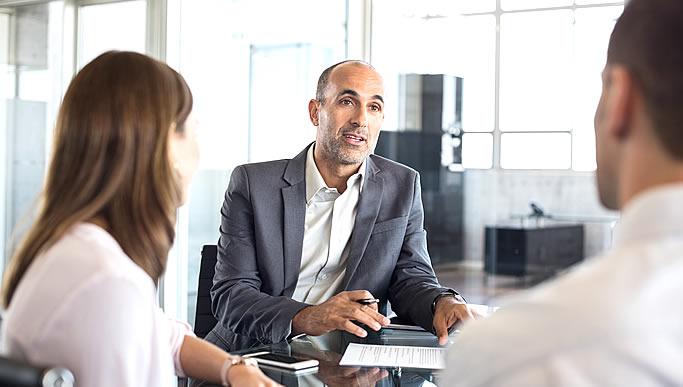 In unserer Geschäftsphilosophie legen wir größeren Wert auf Investitionen in Menschen
